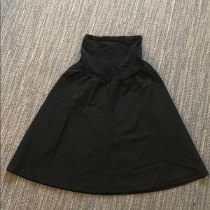 A Pea in the Pod black Maternity skirt
